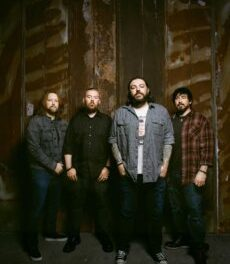 SEETHER | Share Brooding Music Video For New Single 'Bruised and Bloodied'